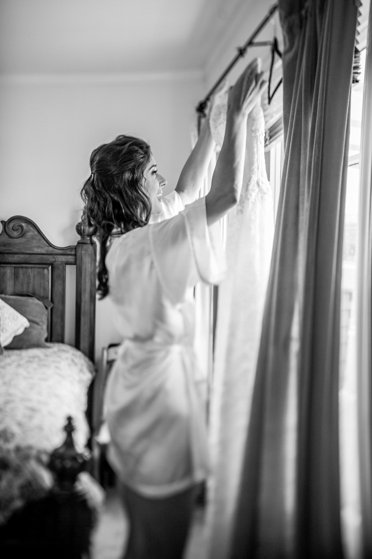 vine-hill-house-sebastopol-wedding-getting-ready