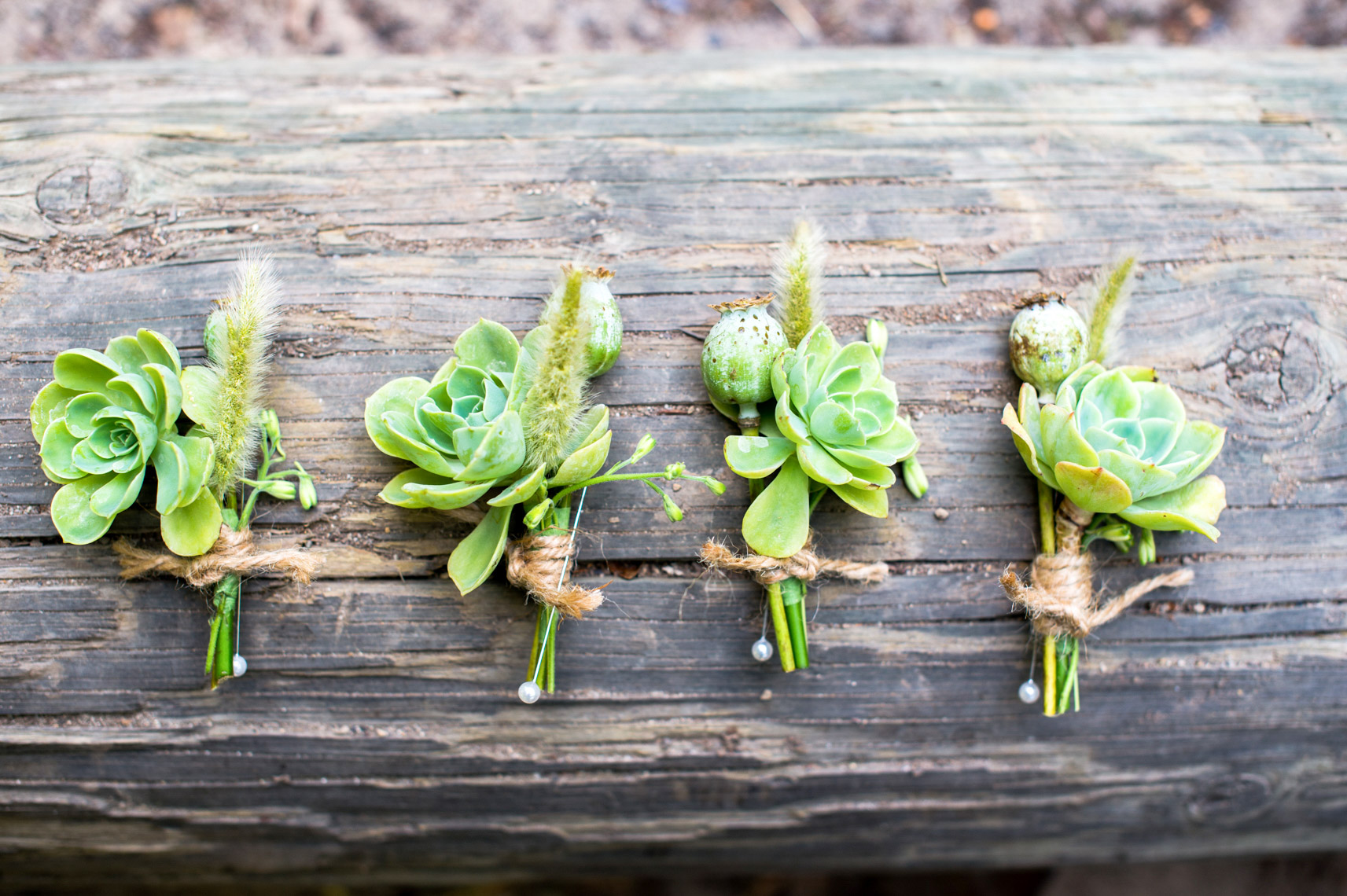 boutonnier-seratoga-springs-wedding-floral