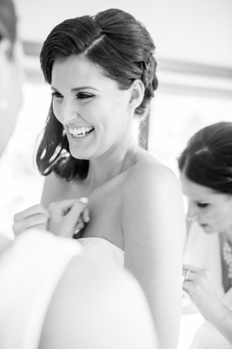 vine-hill-house-wedding-getting-ready