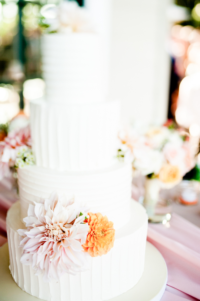 vine-hill-house-wedding-cake