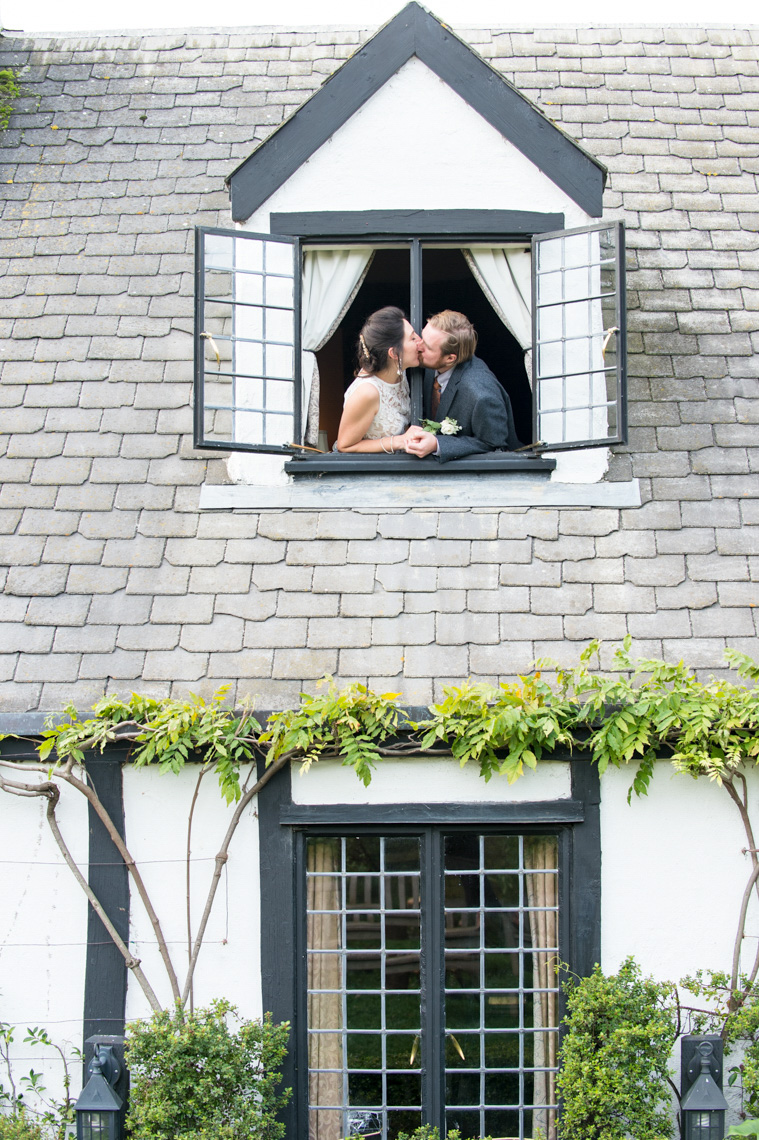 wedding-portrait-window-pelican-inn-marin