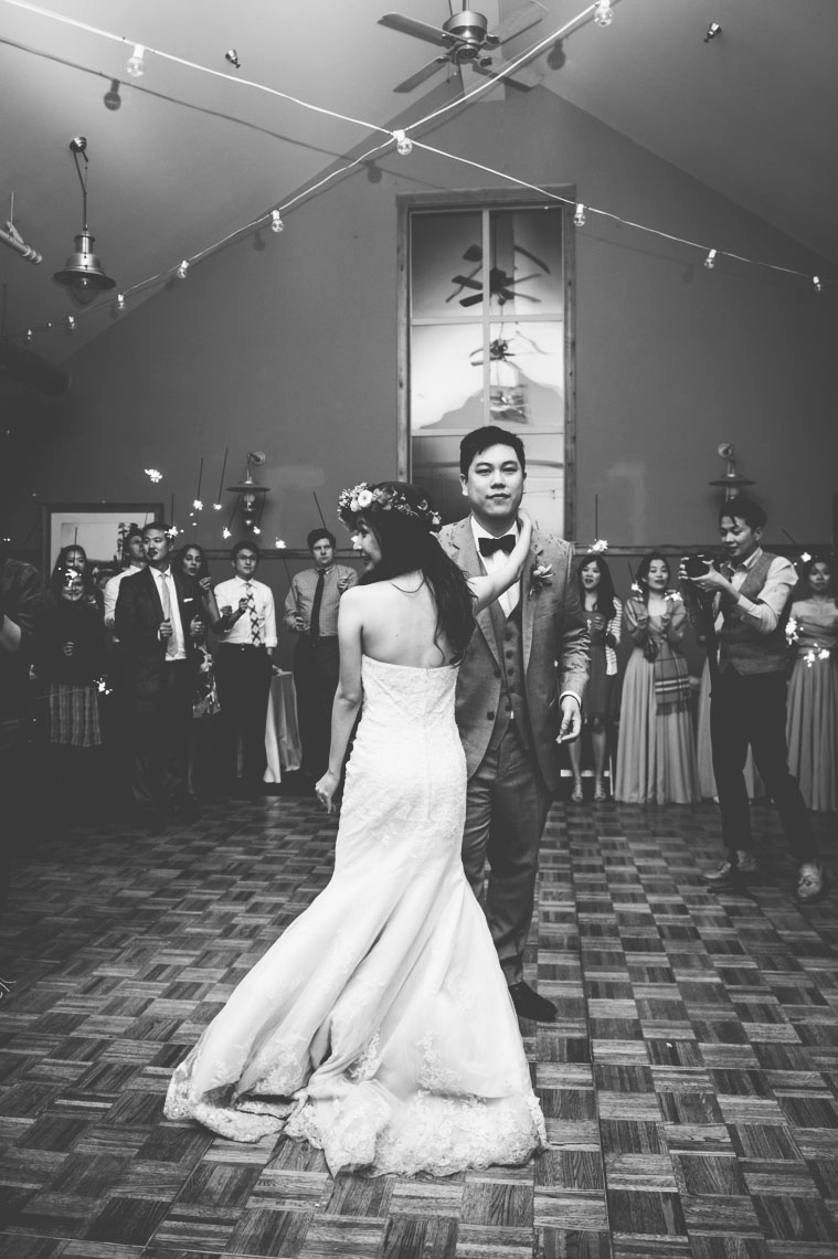 yosemite_wedding_evergreen_lodge_wedding_sparkler_dance